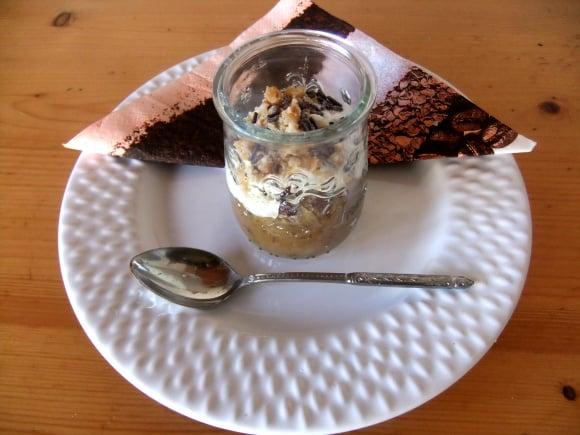 Receta de dulce de manzana con yogur y avellanas