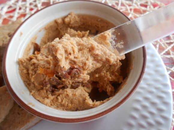 Receta de hummus con tomates secos