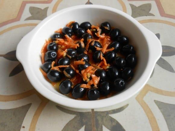 Receta de aceitunas marinadas con zanahoria, jengibre y miel