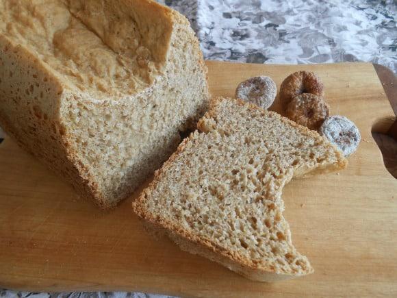 Receta de pan integral con higos secos (en panificadora)