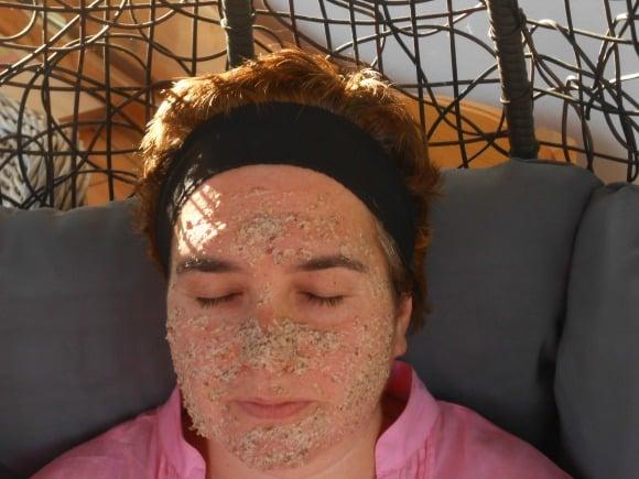 Receta de mascarilla de harina de avena y semillas de lino para una piel radiante