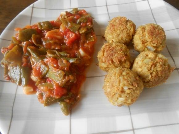 Receta de bolitas de calabacín y tofu con fritada clásica