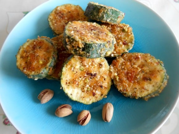 Receta de calabacines crujientes con pistachos y almendras