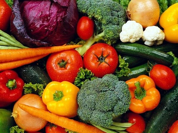 brócolis y tomates