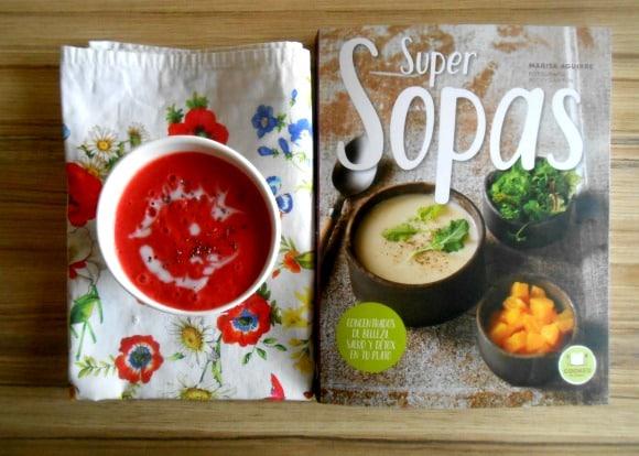 SOPA FRESAS con libro